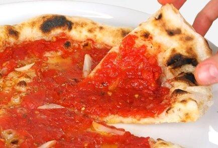 ingredienti per pizza marinara: esempio di pizza marinara fatta in casa